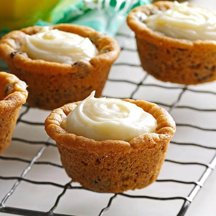 Cream Cheese Cookie Cups