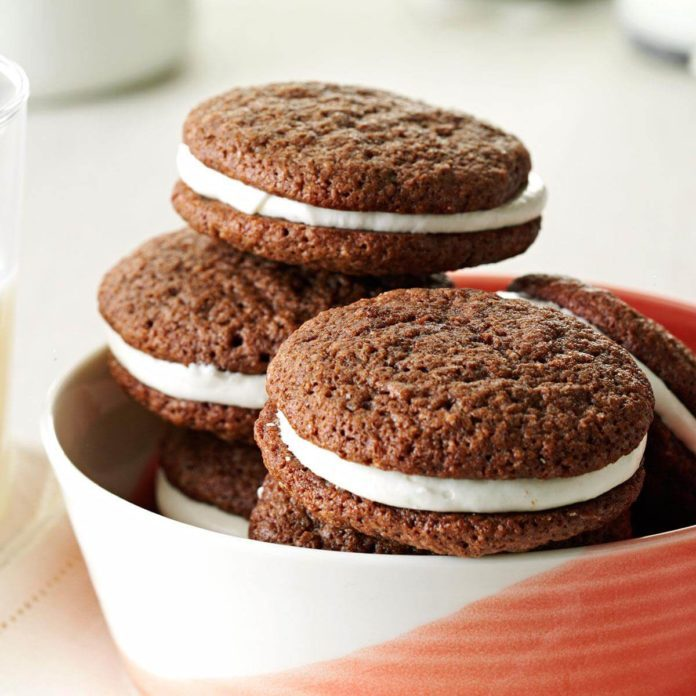 Cream-Filled Chocolate Cookies