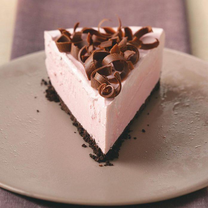 Creamy Frozen Raspberry Dessert