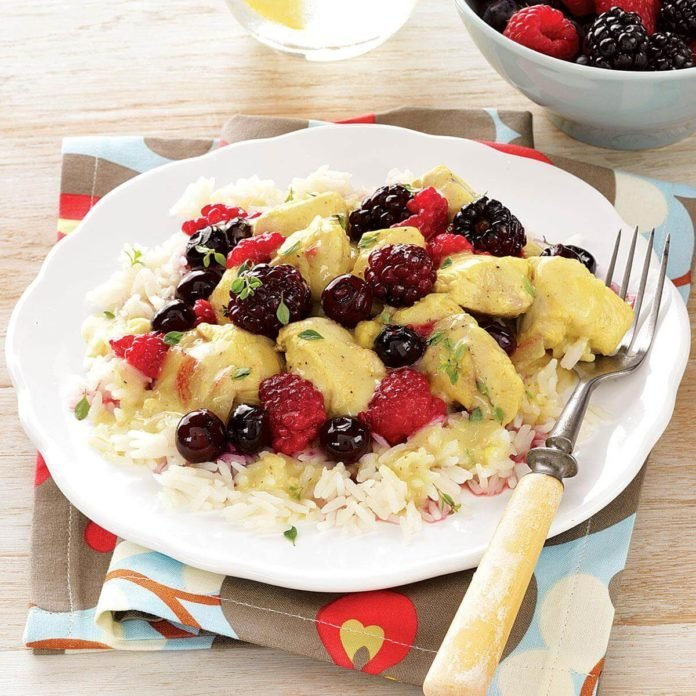 Curry Chicken with Mixed Berries