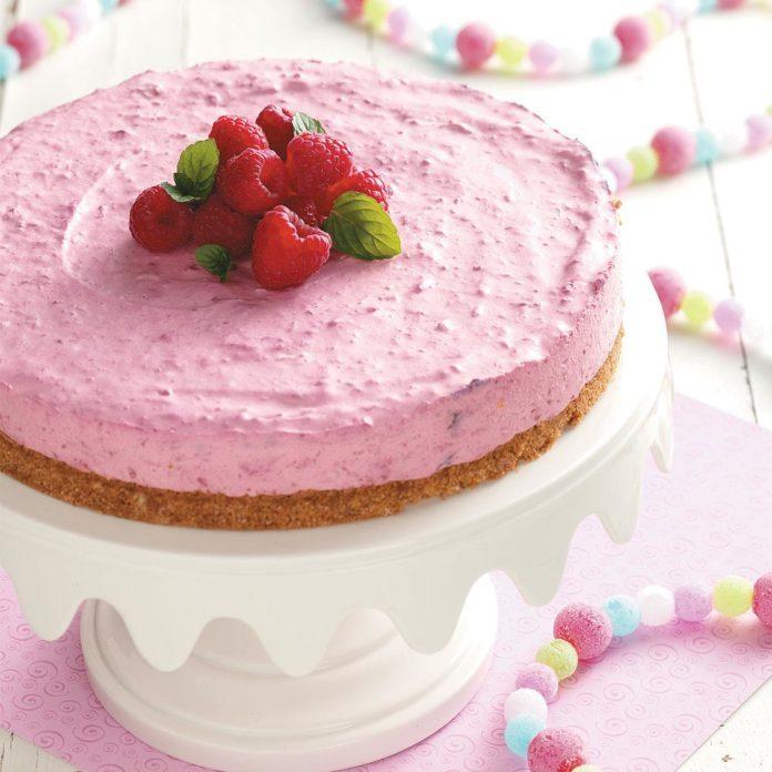 Minnesota: Creamy Raspberry Dessert