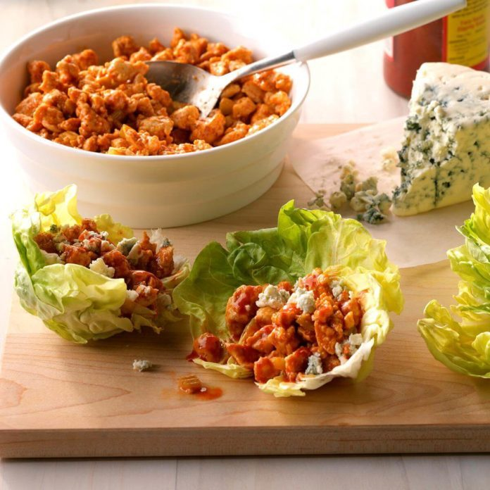 Day 20: Easy Buffalo Chicken Lettuce Wraps