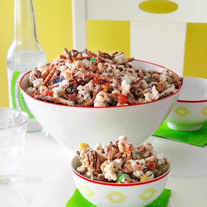 easy white chocolate party mix - Christmas Chex Mix White Chocolate