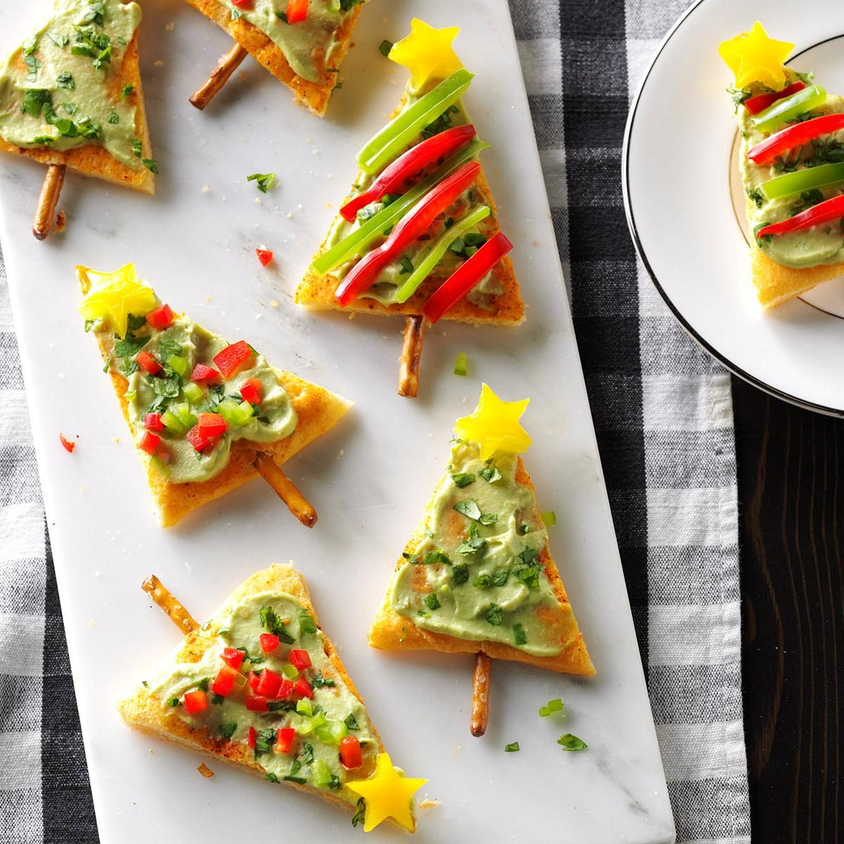 38 Cool Finger Foods For Your Next Party: Festive Guacamole Appetizers Recipe