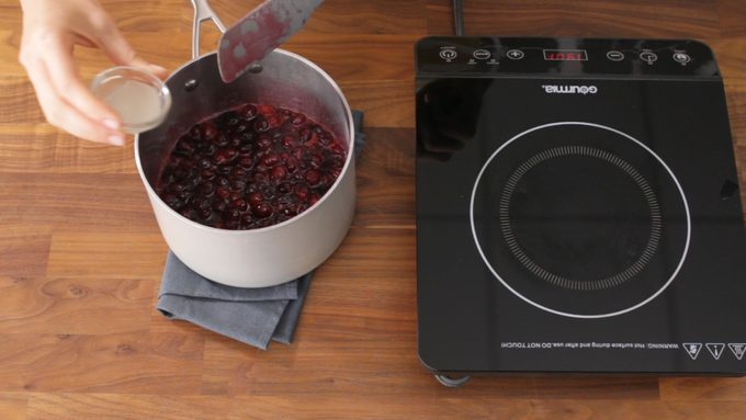 Cranberry mixture having lemon juice added as it cools down