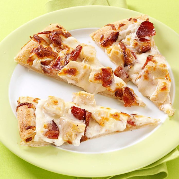 Garlic Chicken & Bacon Pizza