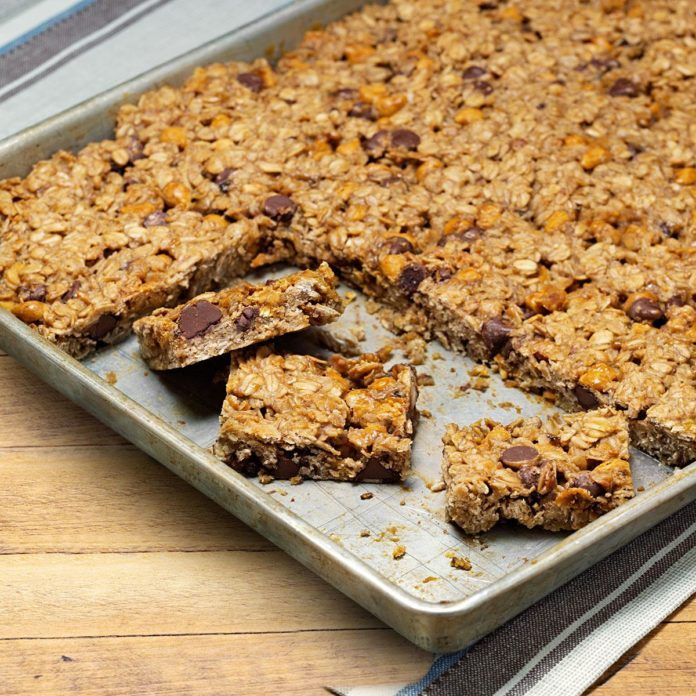 Gluten-Free Oatmeal Chip Bars