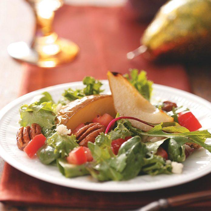 Gorgonzola and Pear Salad