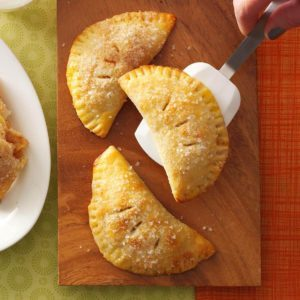 These Itty-Bitty Apple Pies Are the Ultimate On-the-Go Treat