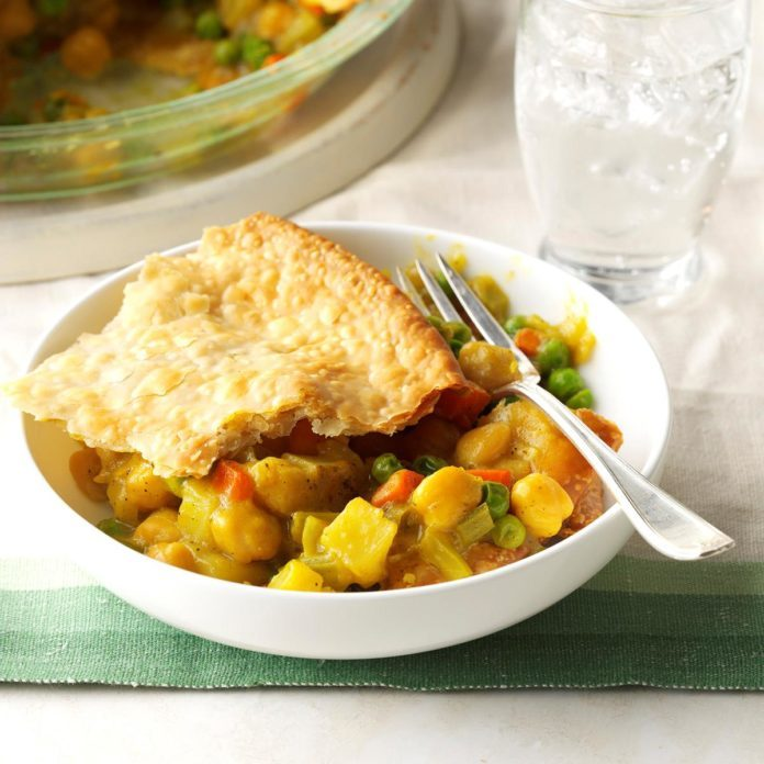 Hearty Chickpea Potpie