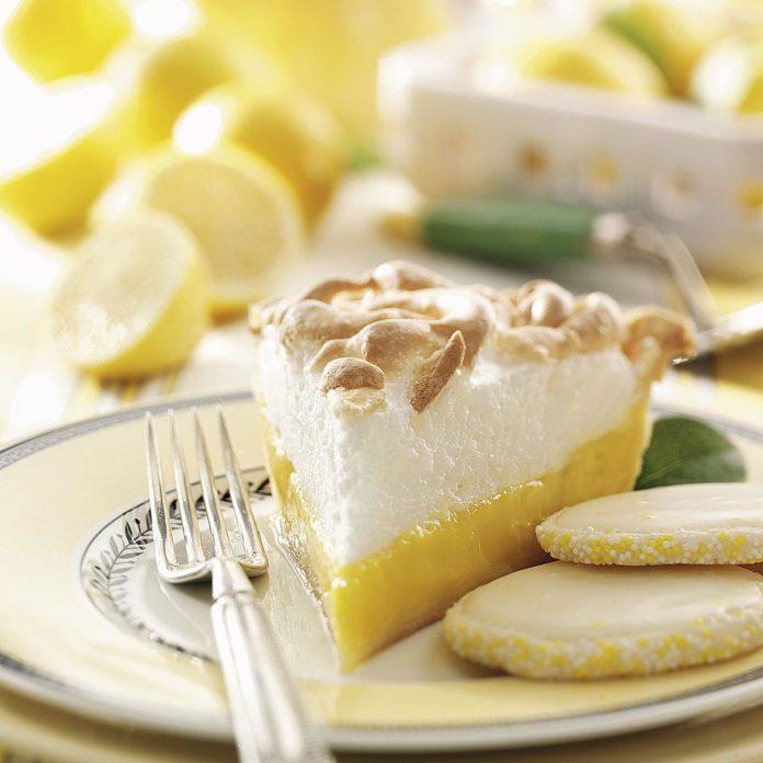 Lemonade Meringue Pie