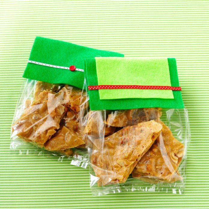 Maple-Spice Cashew Brittle