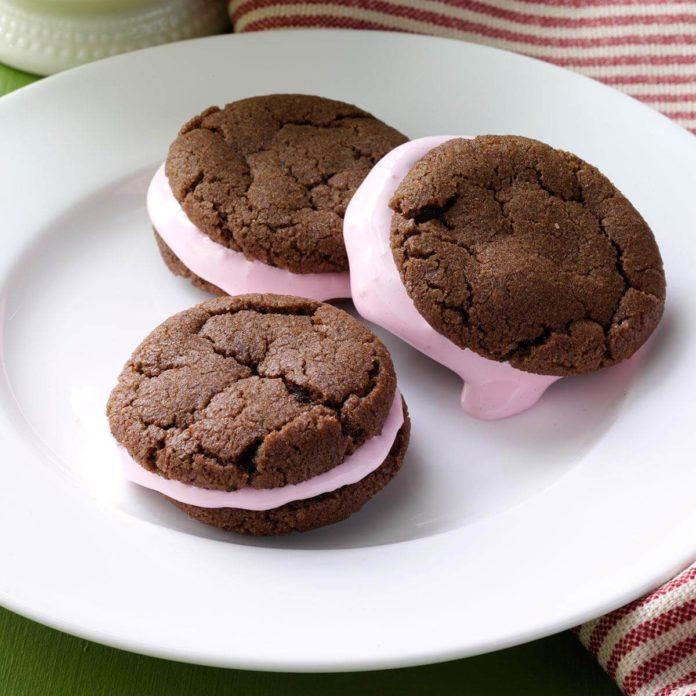 Mint-Mallow Sandwich Cookies
