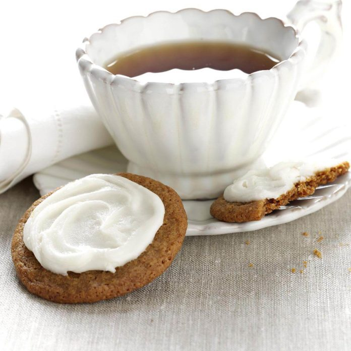 Molasses Creams