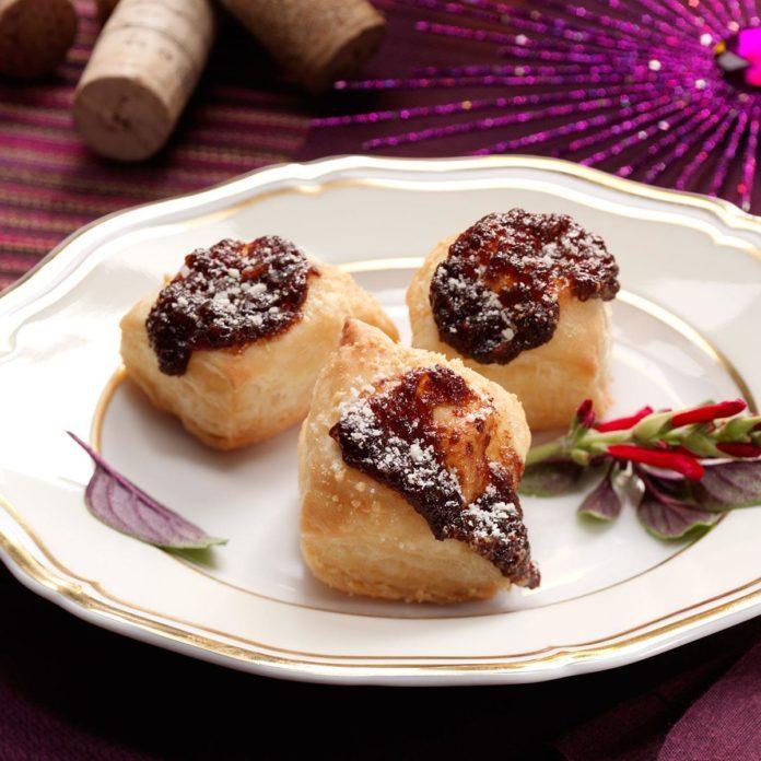Onion Tarts with Balsamic Onion Jam