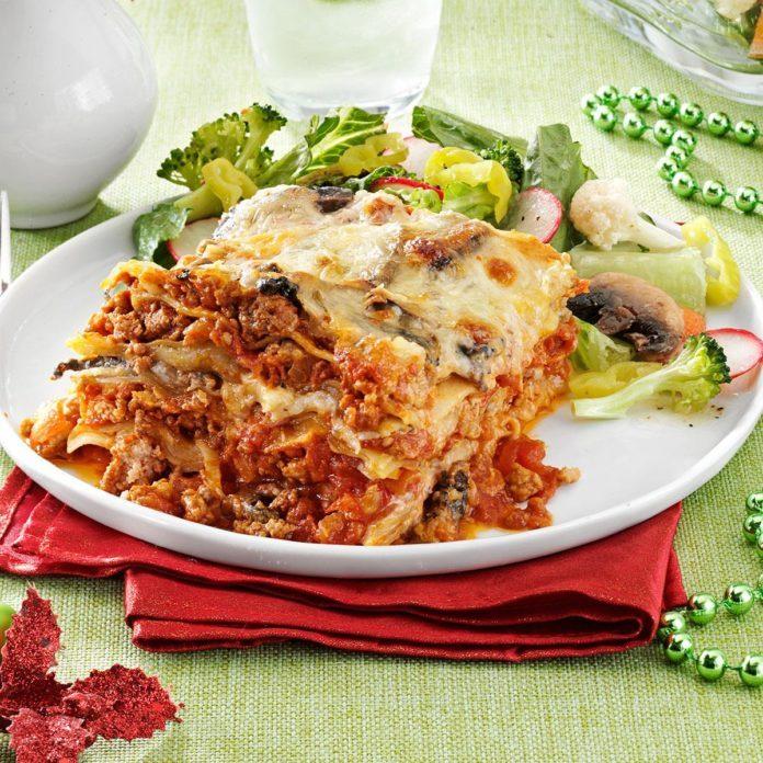 Pasticho venezuelan lasagna recipe taste of home pasticho venezuelan lasagna forumfinder Gallery