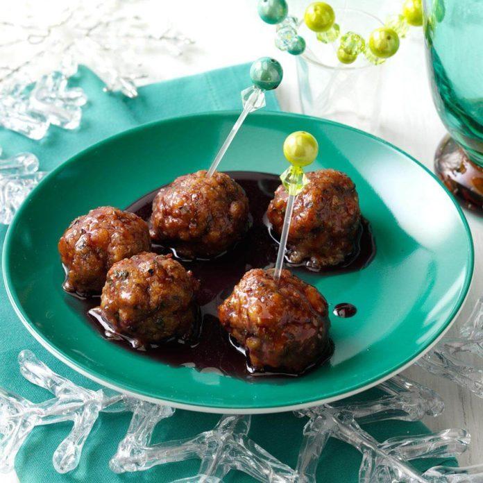 Pomegranate-Glazed Turkey Meatballs
