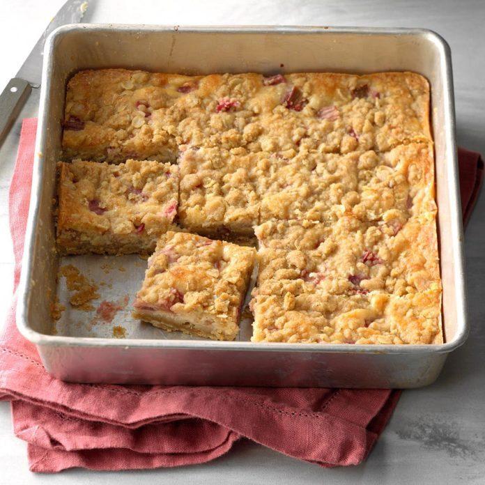 Rhubarb Cheesecake Squares