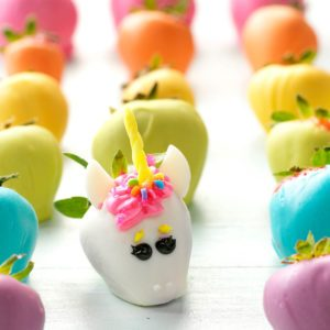 How to Host a Magical Unicorn Party