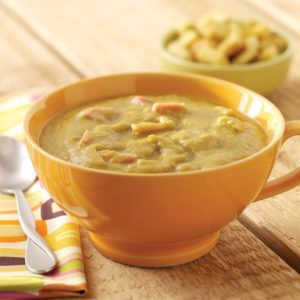 Slow Cooker Split Pea Soup with Ham Hocks
