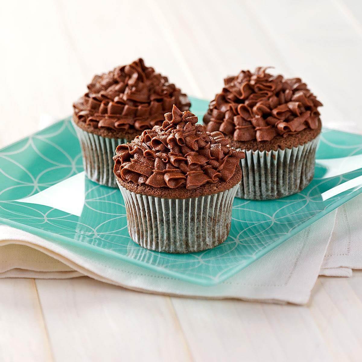 Sour Cream Chocolate Cupcakes Recipe | Taste of Home