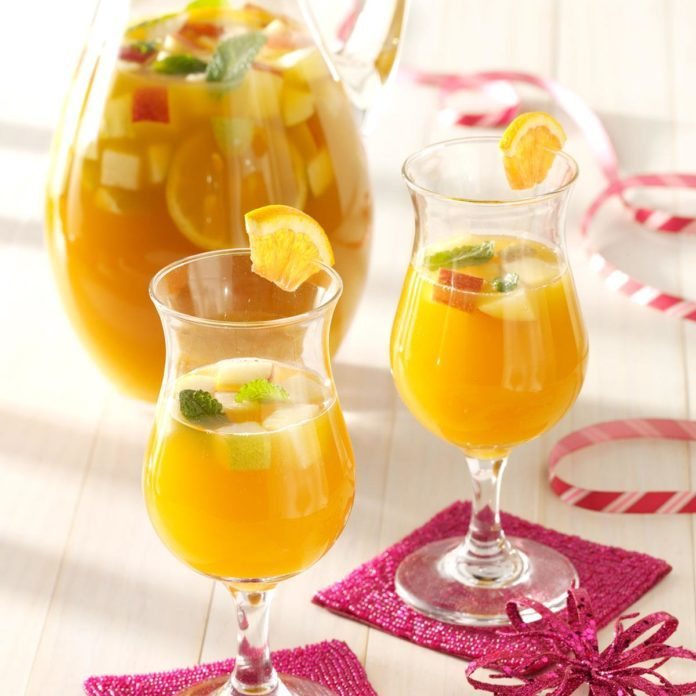 Spicy Apricot Sangria With Ginger Beer