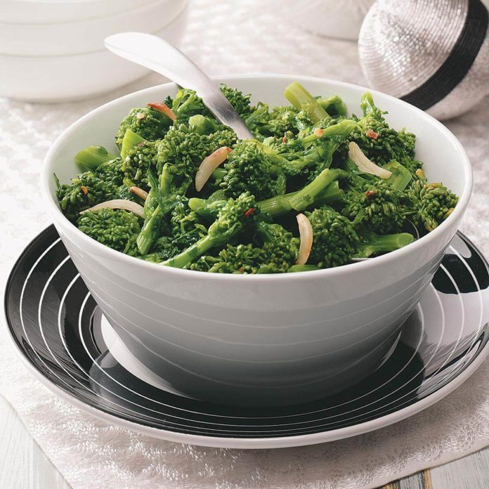 Spicy Garlic Broccoli Rabe