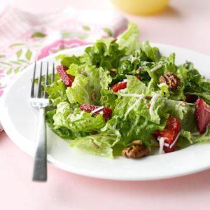Strawberry & Pecan Salad
