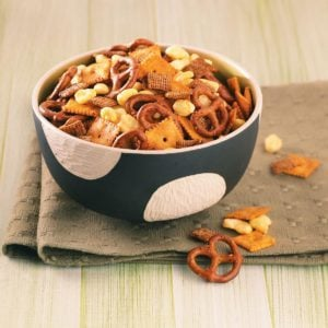 Sweet 'n' Spicy Snack Mix