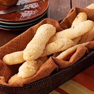 Tender Garlic Cheese Breadsticks