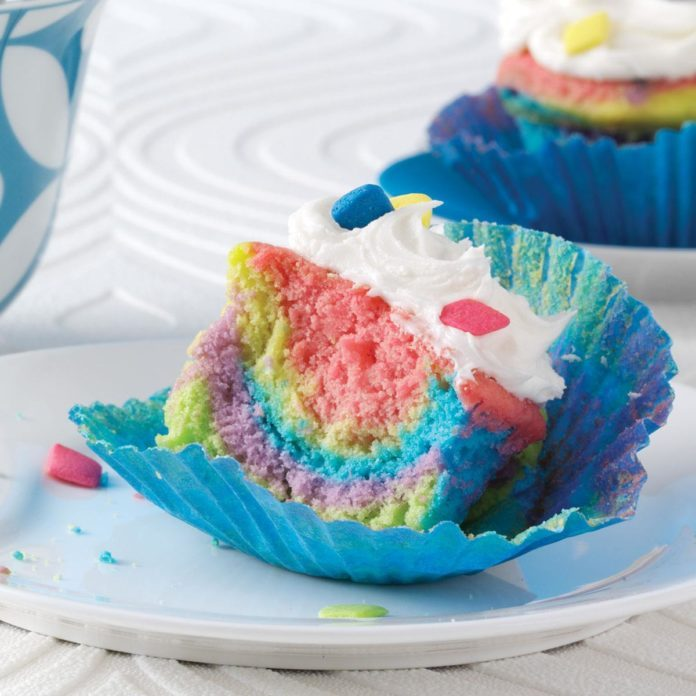 Lemon-Lime Soda: Tie-Dyed Cupcakes