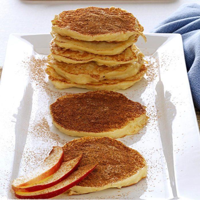 Vanilla & Cinnamon-Kissed Apple Latkes