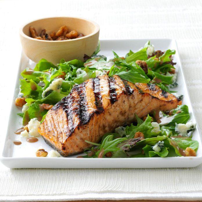 Salmon Salad with Glazed Walnuts