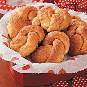 Cinnamon Love Knots