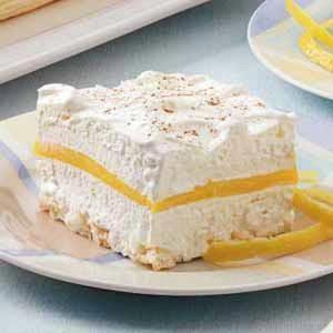 Lemon Schaum Torte