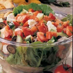 Quick Greek Garden Salad