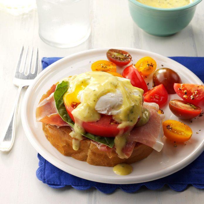 Elegant Easter Menu: Italian Eggs Benedict with Pesto Hollandaise