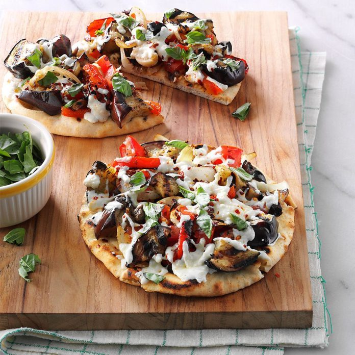 Day 23: Grilled Eggplant Pita Pizzas