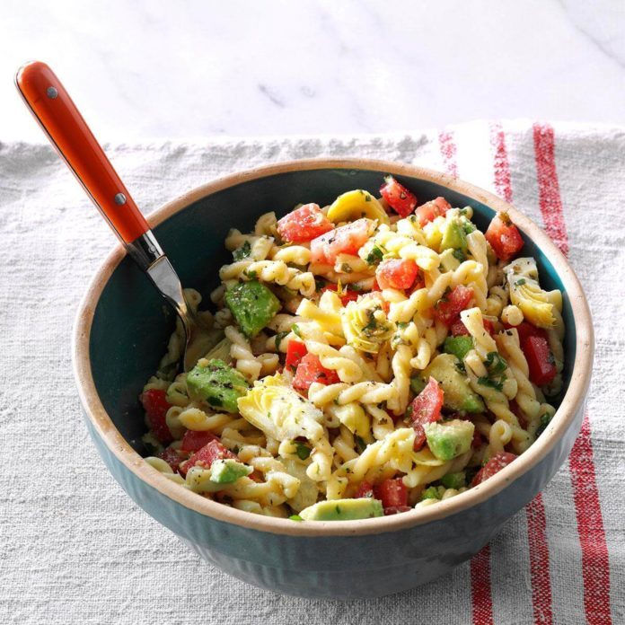Monday's Lunch: Avocado & Artichoke Pasta Salad