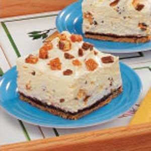 Creamy Candy Bar Dessert