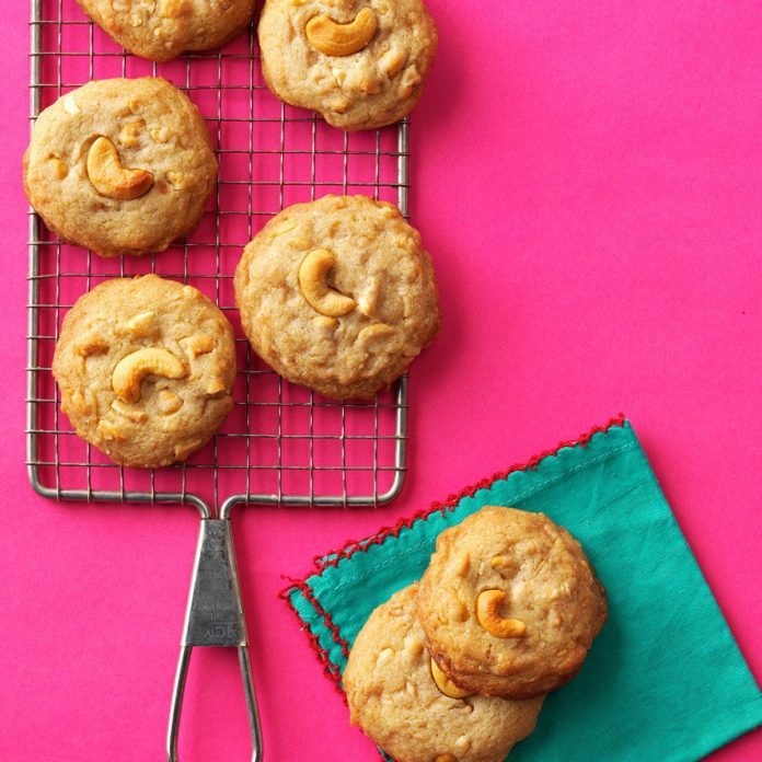 Salted Toffee Cashew Cookies
