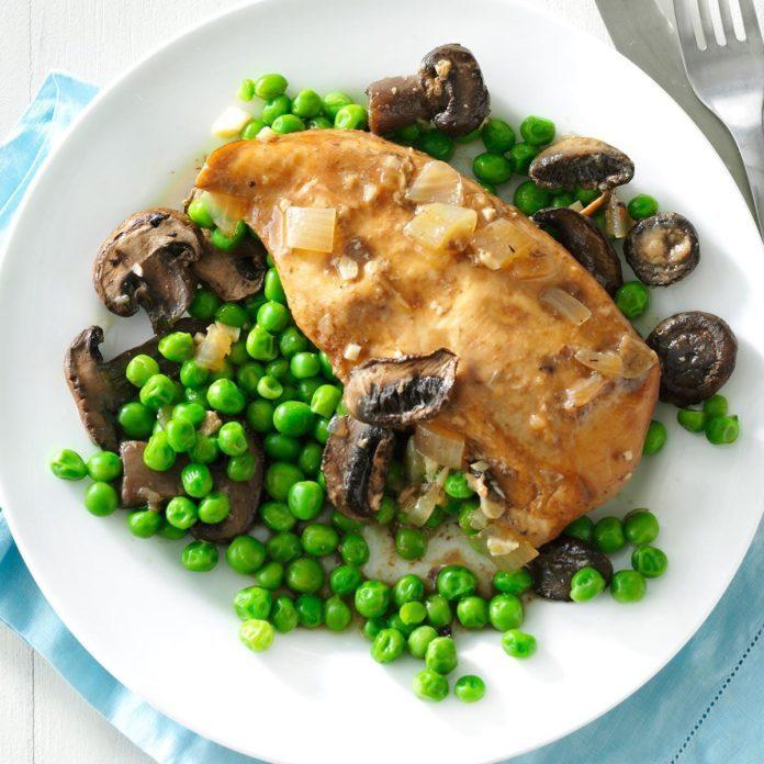 Slow Cooker Mushroom Chicken & Peas