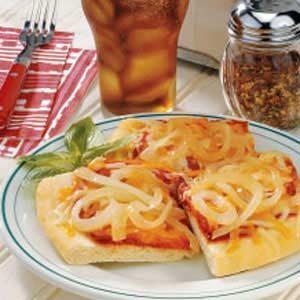 Vidalia Onion Tomato Pizza