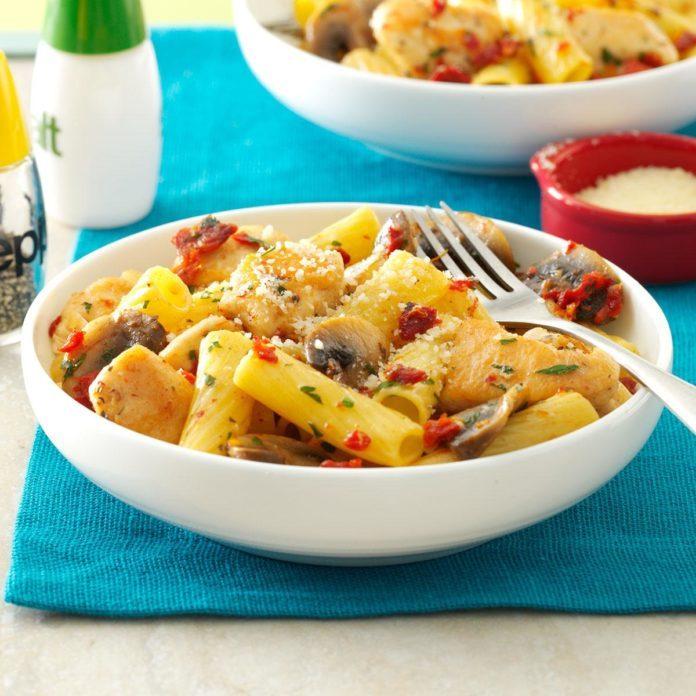Garlic Chicken Rigatoni
