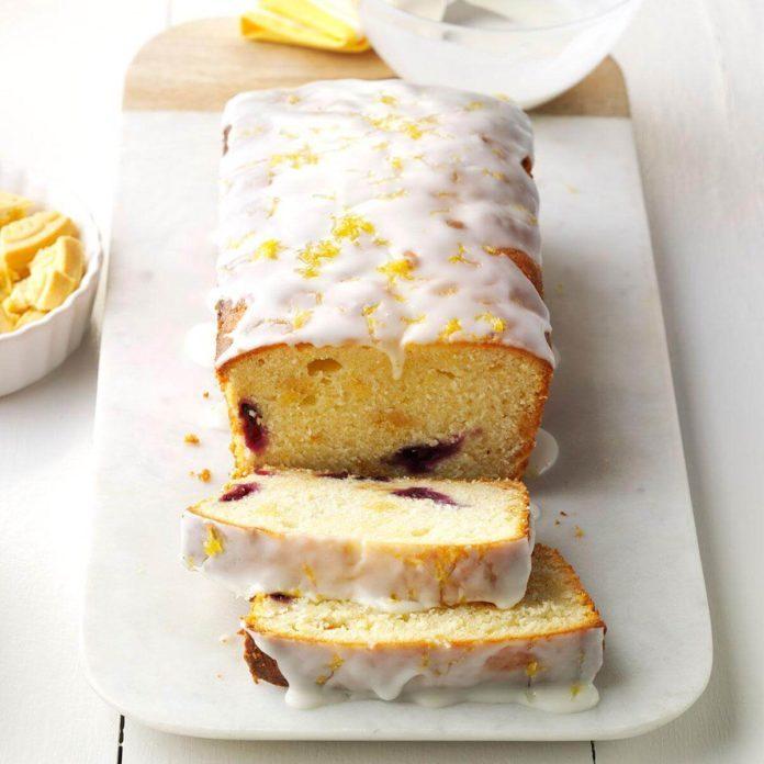 Lemon Blueberry Crunch Cake