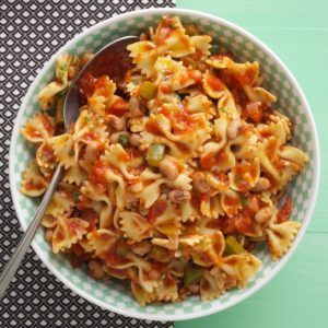 Black-Eyed Peas 'n' Pasta