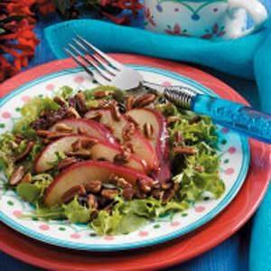 Pecan-Pear Green Salad
