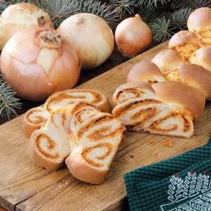 Braided Onion Loaf