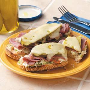 Reuben Slaw Sandwiches