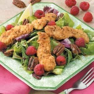 Crispy Chicken Strip Salad